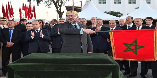 جلالة الملك يعطي انطلاقة مشروع تمديد الخط الثاني لترامواي الرباط –سلا